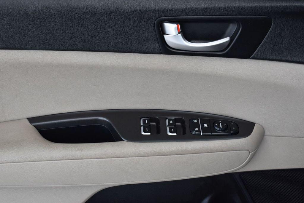2017 Kia Optima LX Automatic - 18550617 - 12
