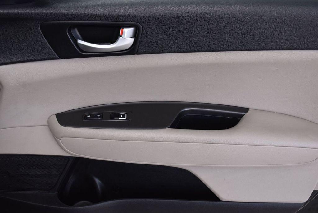 2017 Kia Optima LX Automatic - 18550617 - 17