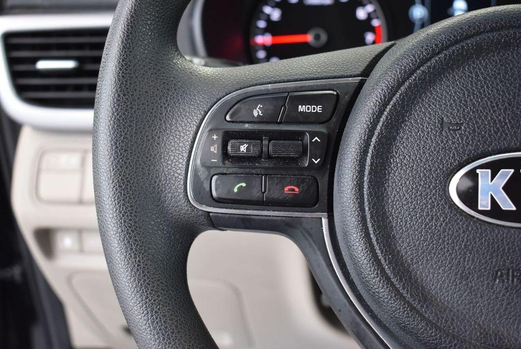2017 Kia Optima LX Automatic - 18550617 - 20