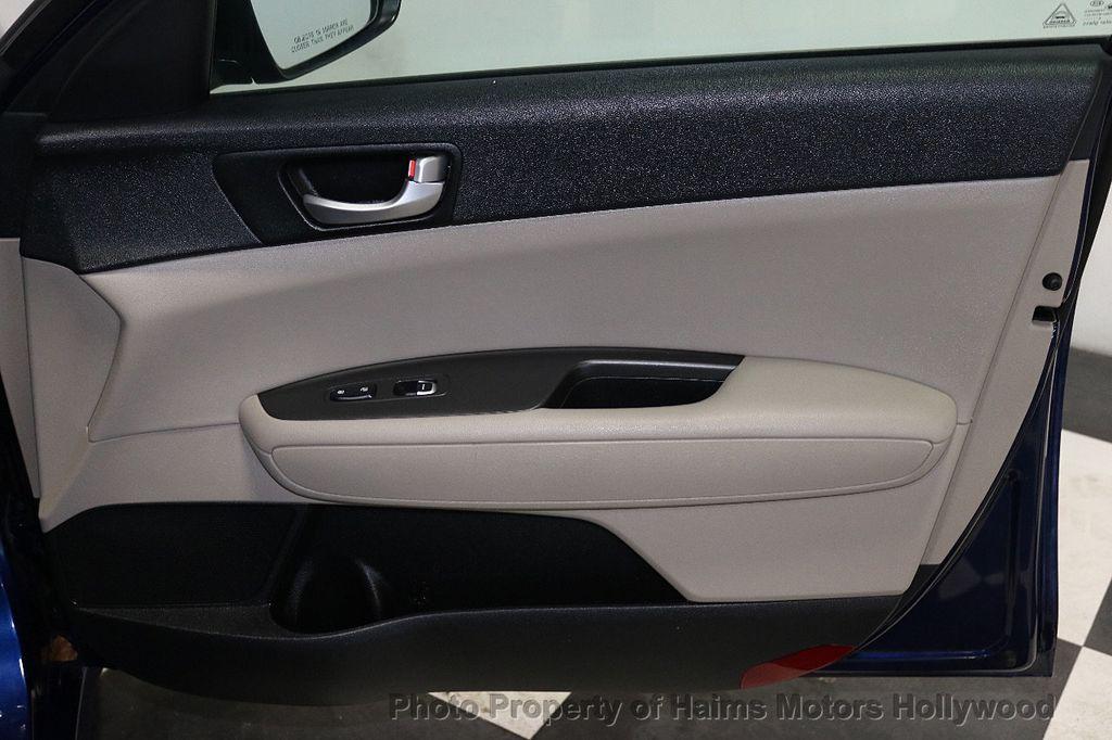 2017 Kia Optima LX Automatic - 18633901 - 11