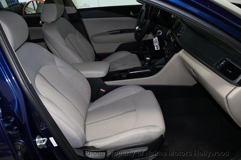 2017 Kia Optima LX Automatic - 18633901 - 12