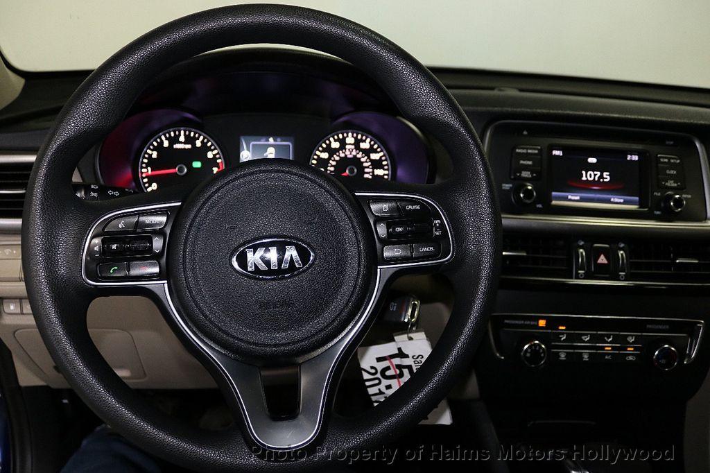 2017 Kia Optima LX Automatic - 18633901 - 24