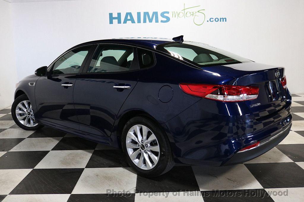 2017 Kia Optima LX Automatic - 18633901 - 4