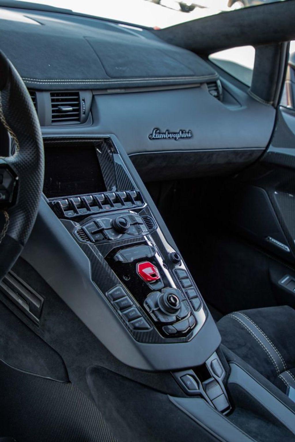 2017 Lamborghini Aventador SV  - 18603473 - 23