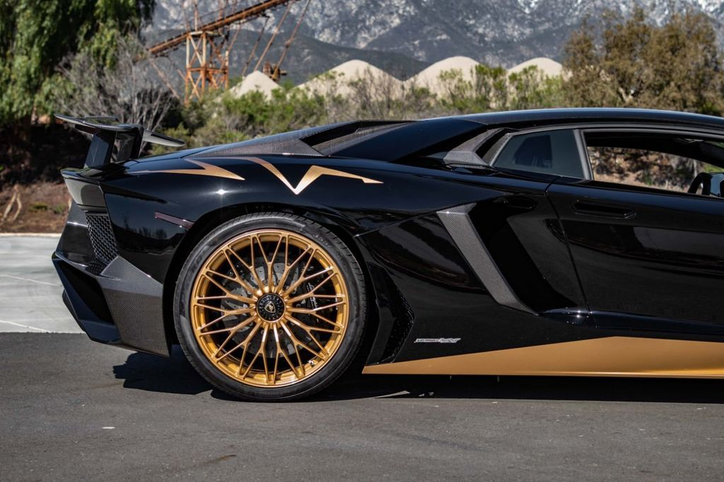 2017 Lamborghini Aventador SV  - 18603473 - 44