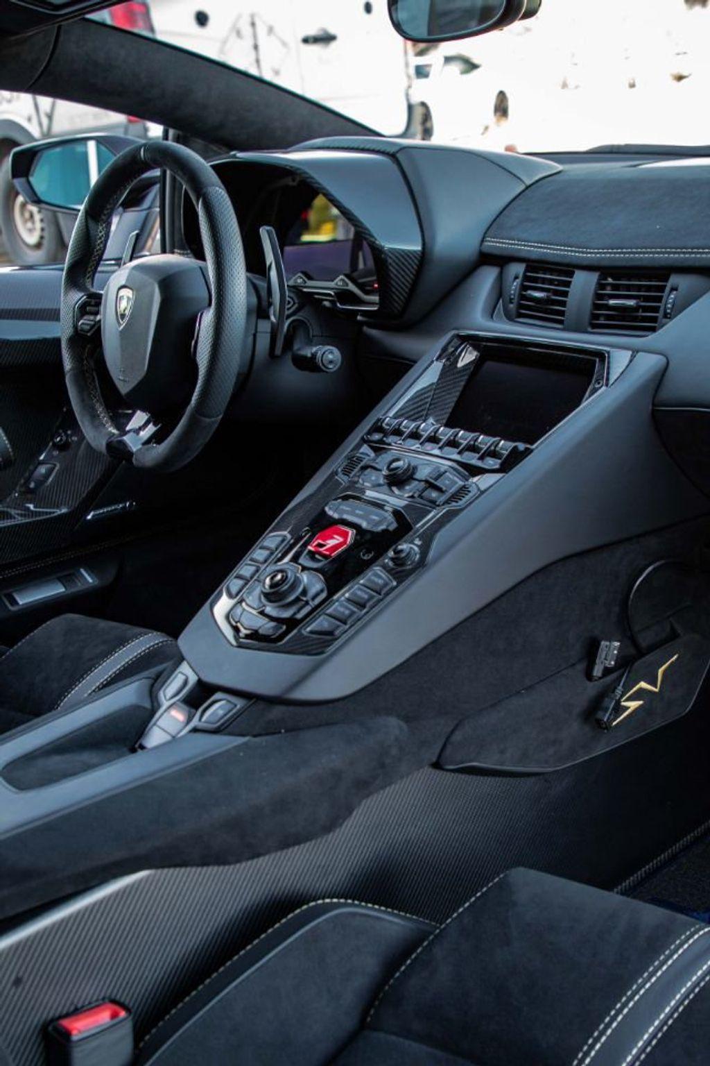 2017 Lamborghini Aventador SV  - 18603473 - 76