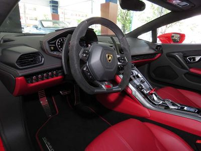 2017 Lamborghini Huracan RWD Coupe - Click to see full-size photo viewer