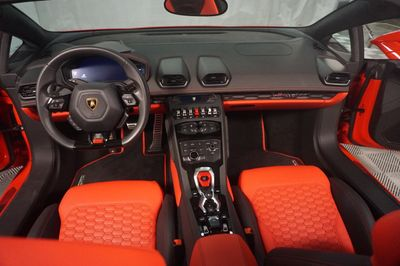 2017 Lamborghini Huracan Spyder - Click to see full-size photo viewer