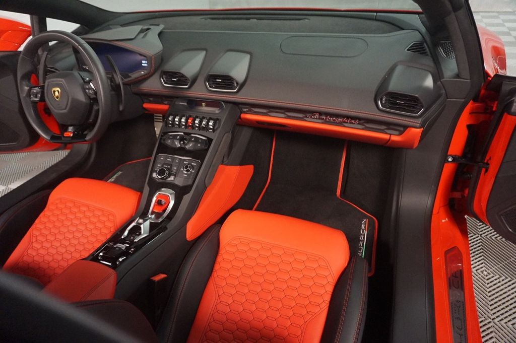 2017 Lamborghini Huracan Spyder - 18036354 - 44