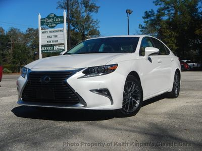 2017 Lexus ES w/NAVIGATION & SAFETY SYSTEM + - Click to see full-size photo viewer