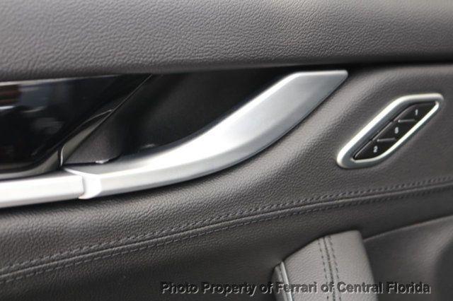 2017 Maserati Levante 3.0L - 16465677 - 21