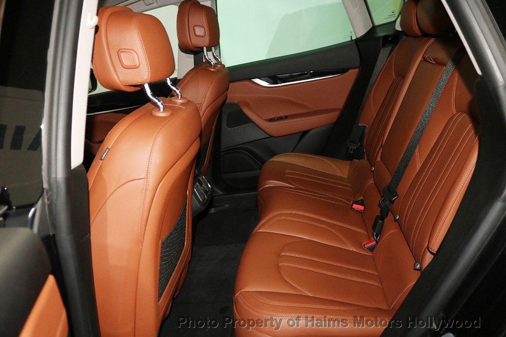 2017 Maserati Levante 3.0L - 18505363 - 16