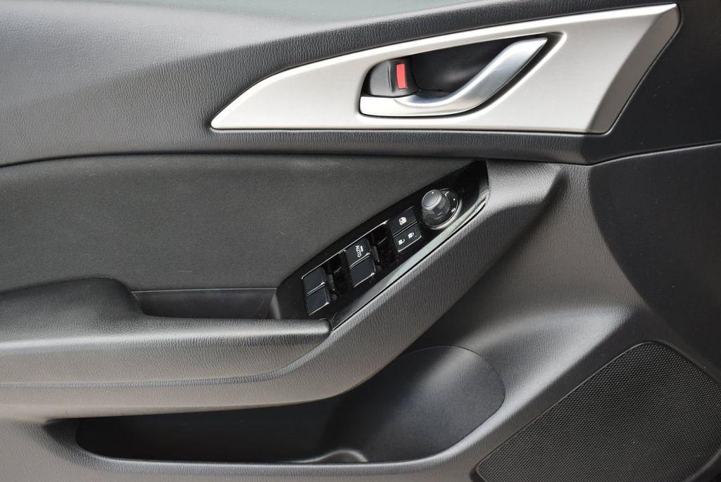 2017 Mazda Mazda3 4-Door  - 18692981 - 13