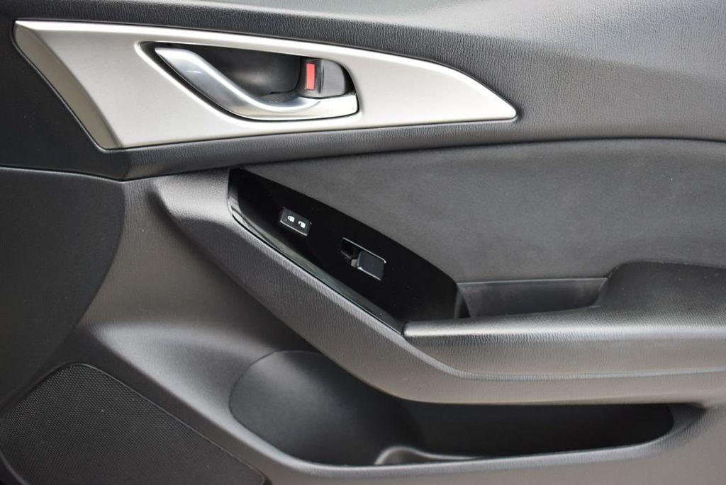 2017 Mazda Mazda3 4-Door  - 18692981 - 15