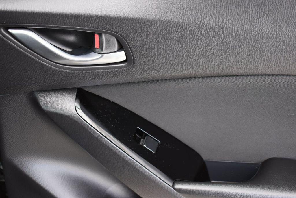 2017 Mazda Mazda3 4-Door  - 18692981 - 17