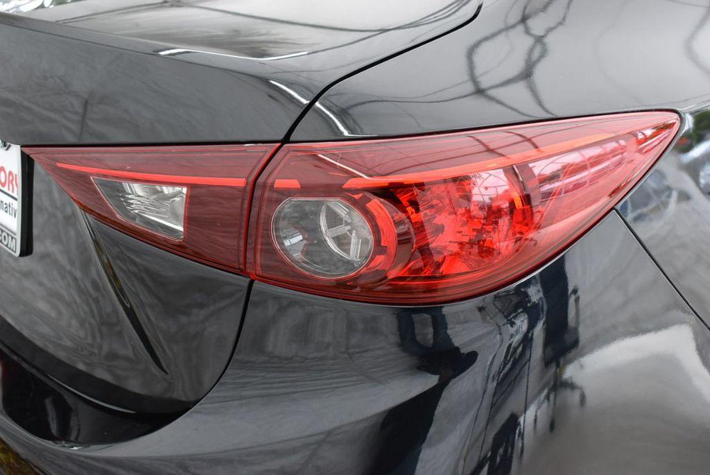 2017 Mazda Mazda3 4-Door  - 18692981 - 1