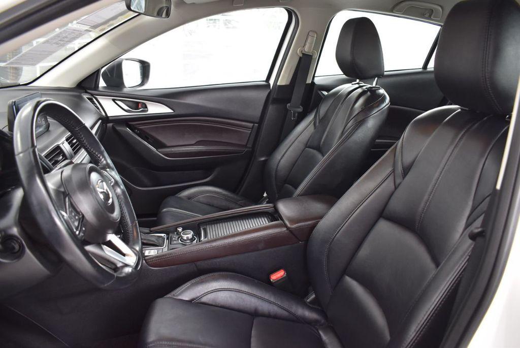 2017 Mazda Mazda3 4-Door Grand Touring Automatic - 18436053 - 14