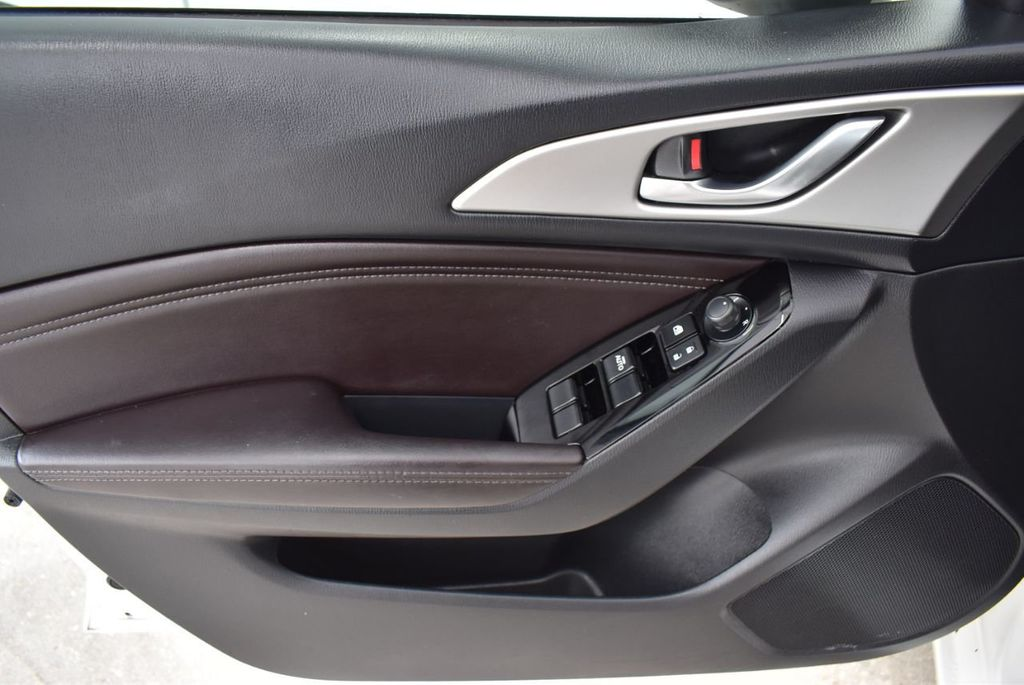 2017 Mazda Mazda3 4-Door Grand Touring Automatic - 18436053 - 15