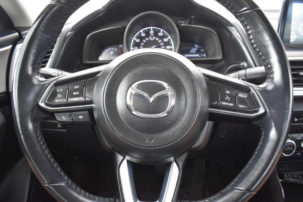 2017 Mazda Mazda3 4-Door Grand Touring Automatic - 18436053 - 17