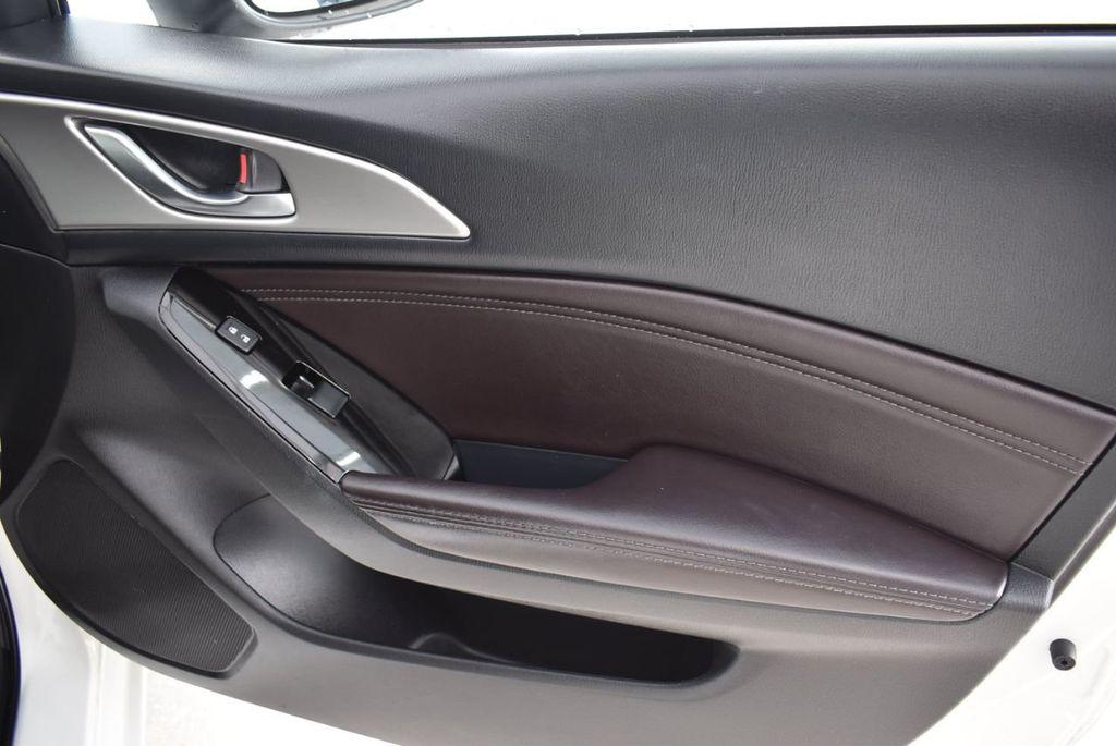 2017 Mazda Mazda3 4-Door Grand Touring Automatic - 18436053 - 24