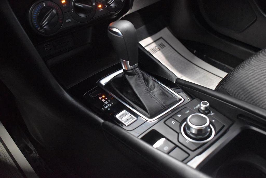 2017 Mazda Mazda3 4-Door Sport Automatic - 18423315 - 22
