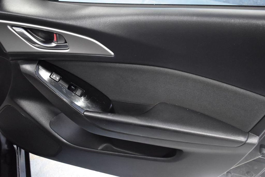 2017 Mazda Mazda3 4-Door Sport Automatic - 18423315 - 25