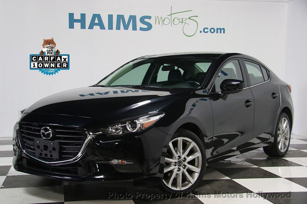 2017 Mazda Mazda3 4-Door Touring Automatic - 16928618 - 0