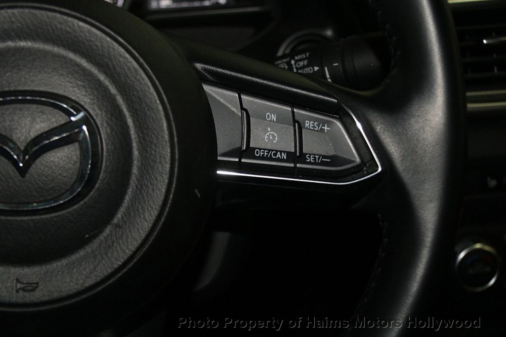 2017 Mazda Mazda3 4-Door Touring Automatic - 16928618 - 26
