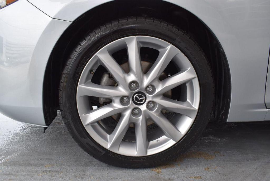 2017 Mazda Mazda3 5-Door Sport Automatic - 18336092 - 11