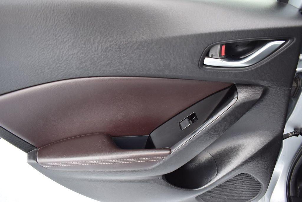 2017 Mazda Mazda3 5-Door Sport Automatic - 18336092 - 13