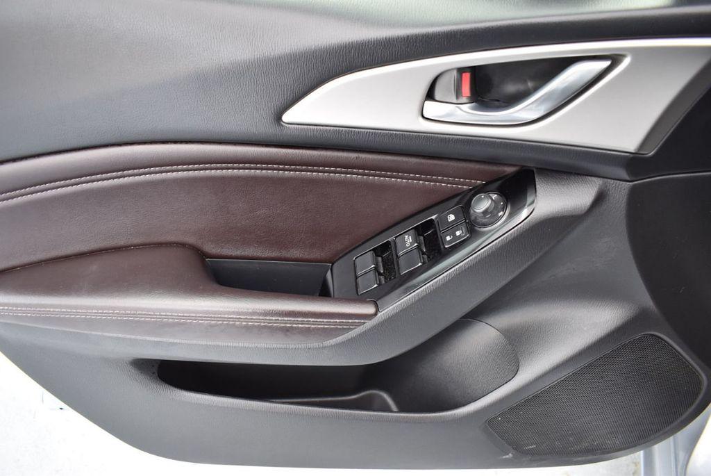 2017 Mazda Mazda3 5-Door Sport Automatic - 18336092 - 15