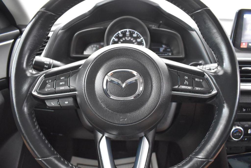 2017 Mazda Mazda3 5-Door Sport Automatic - 18336092 - 17