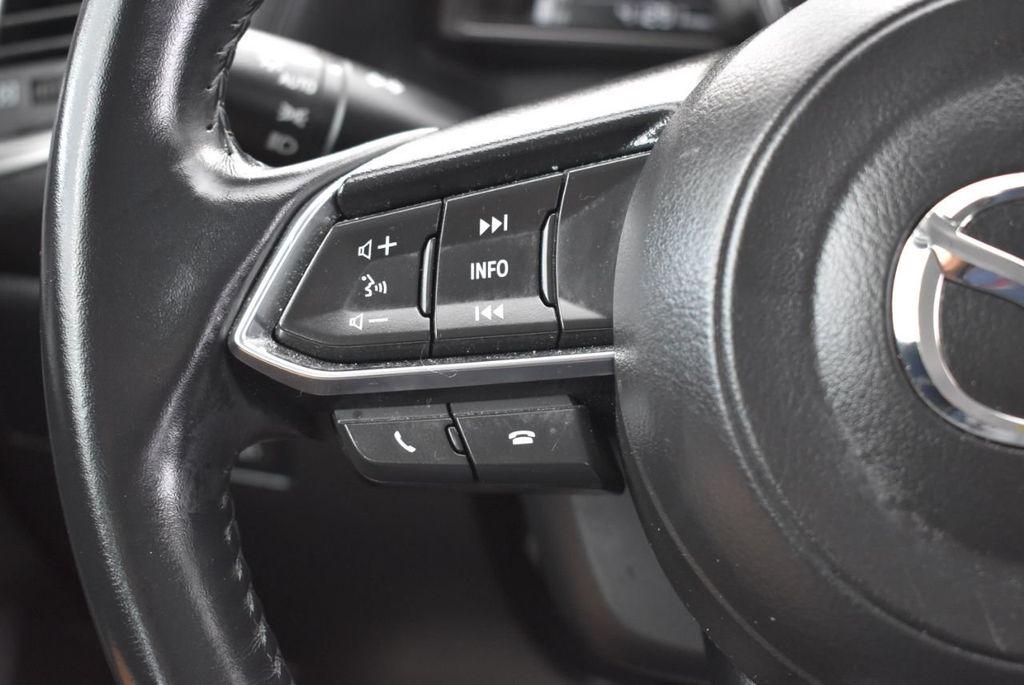 2017 Mazda Mazda3 5-Door Sport Automatic - 18336092 - 19