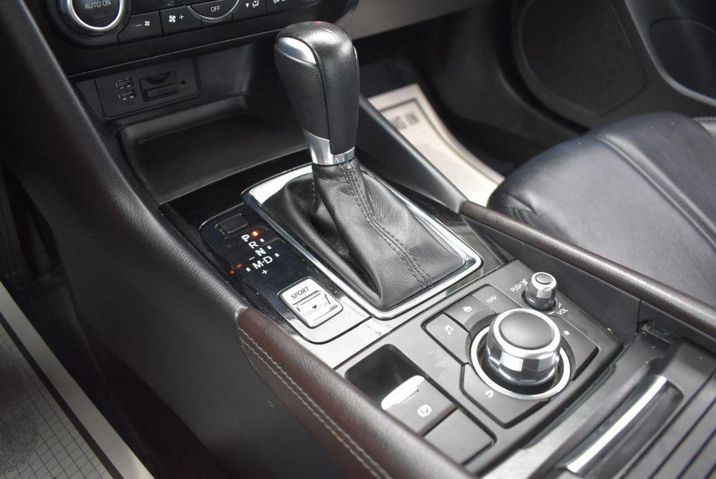 2017 Mazda Mazda3 5-Door Sport Automatic - 18336092 - 21