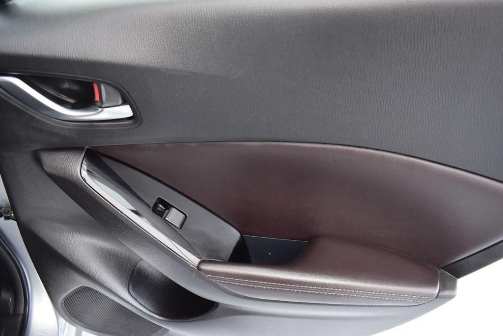 2017 Mazda Mazda3 5-Door Sport Automatic - 18336092 - 23