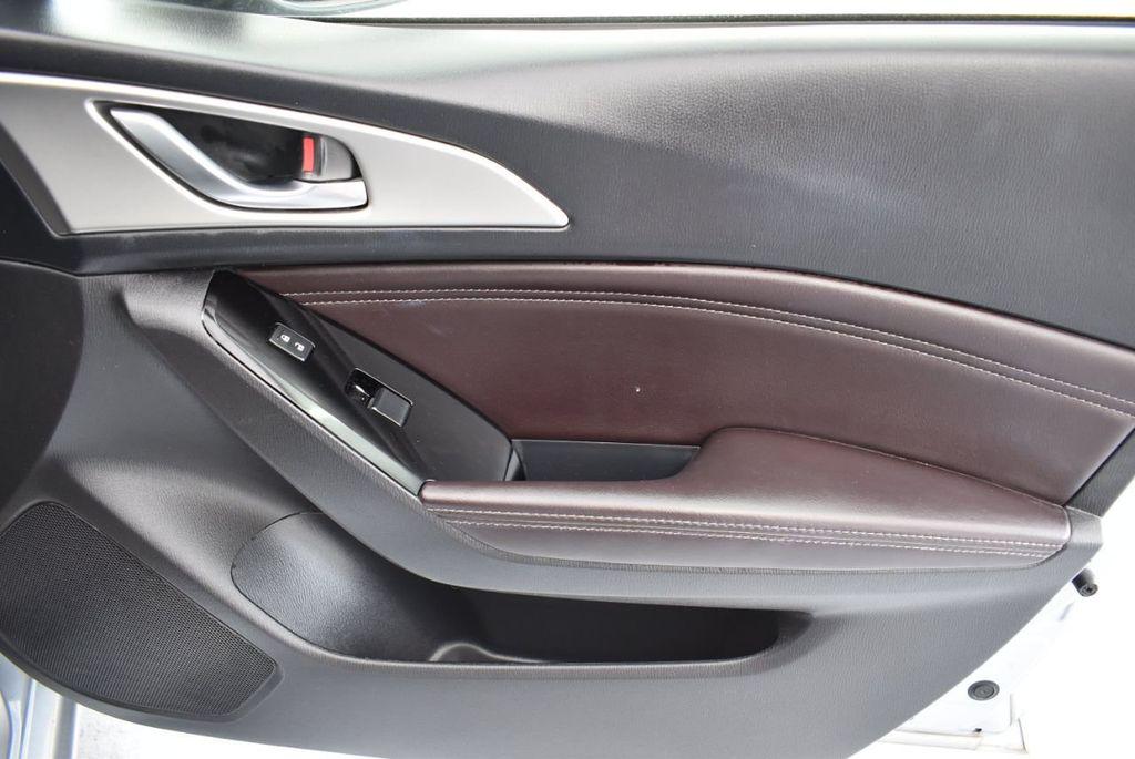 2017 Mazda Mazda3 5-Door Sport Automatic - 18336092 - 24