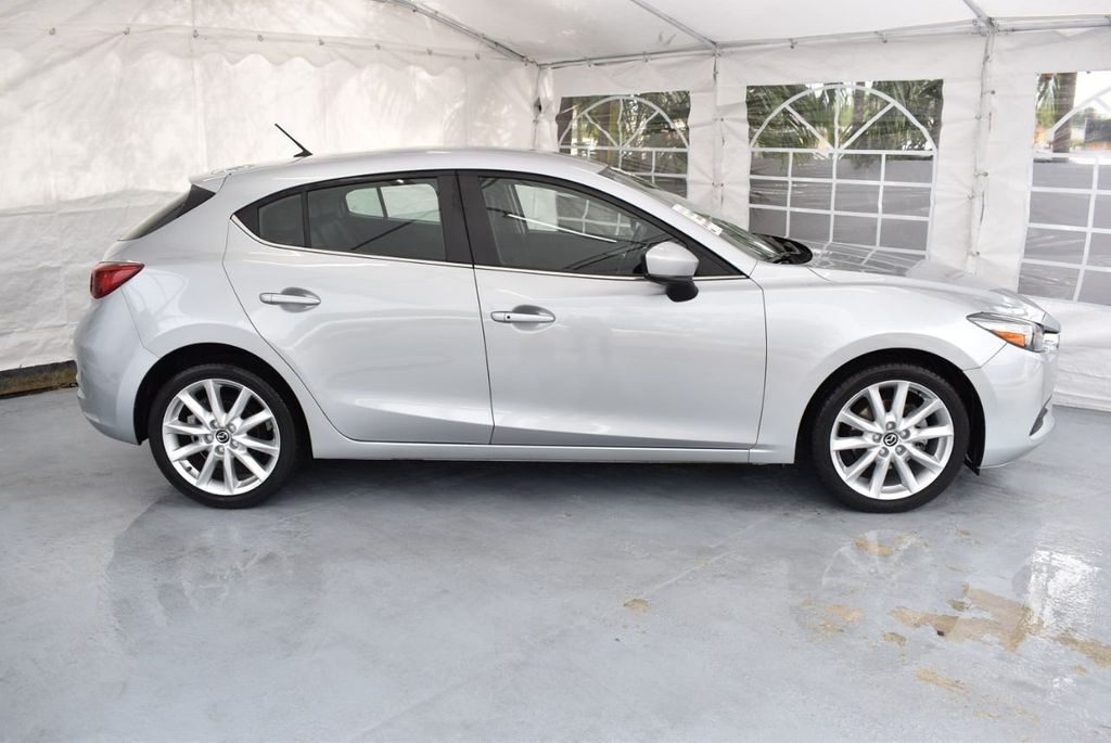 2017 Mazda Mazda3 5-Door Sport Automatic - 18336092 - 2