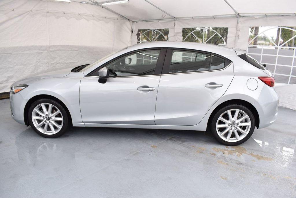 2017 Mazda Mazda3 5-Door Sport Automatic - 18336092 - 4