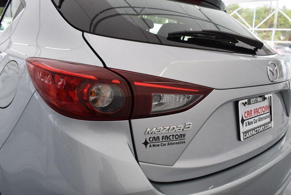 2017 Mazda Mazda3 5-Door Sport Automatic - 18336092 - 6