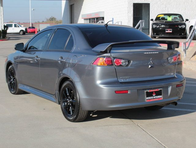 2017 Mitsubishi Lancer LE 2.0 FWD CVT - Click to see full-size photo viewer