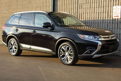 2017 Mitsubishi Outlander  ONE OWNER AWD  SEL W/ LEATHER SUV