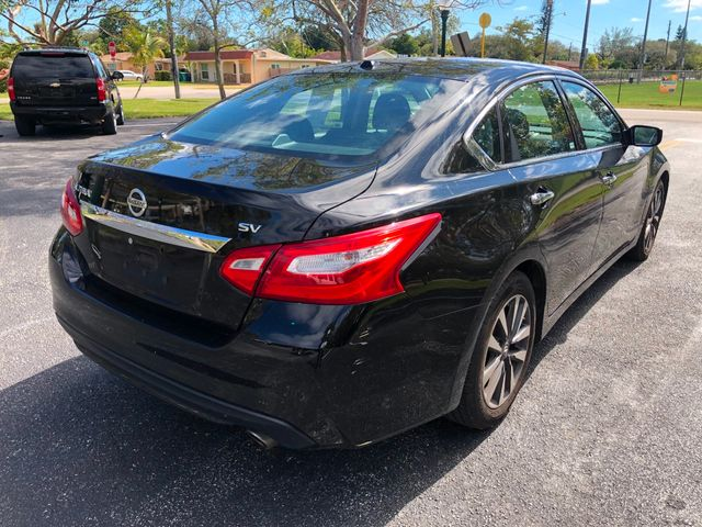 2017 Nissan Altima 2.5 - Click to see full-size photo viewer