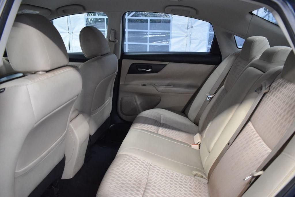 2017 Nissan Altima 2.5 - 18250848 - 10
