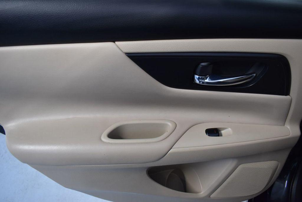 2017 Nissan Altima 2.5 - 18250848 - 11