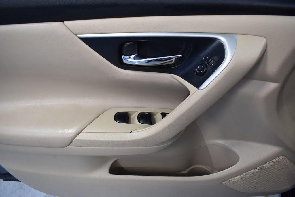 2017 Nissan Altima 2.5 - 18250848 - 13