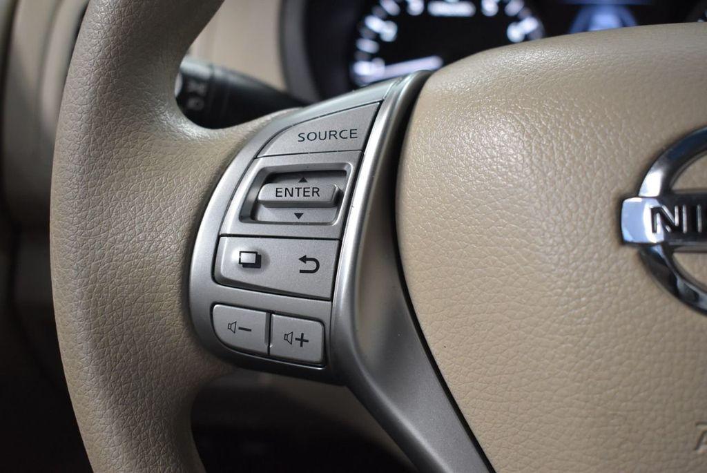 2017 Nissan Altima 2.5 - 18250848 - 17