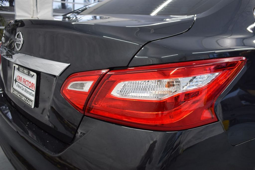 2017 Nissan Altima 2.5 - 18250848 - 1