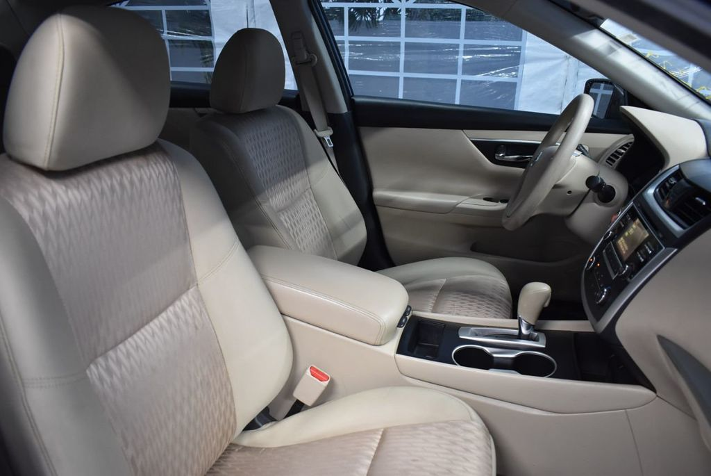 2017 Nissan Altima 2.5 - 18250848 - 23