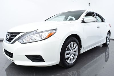 2017 Nissan Altima 2.5 S - Click to see full-size photo viewer