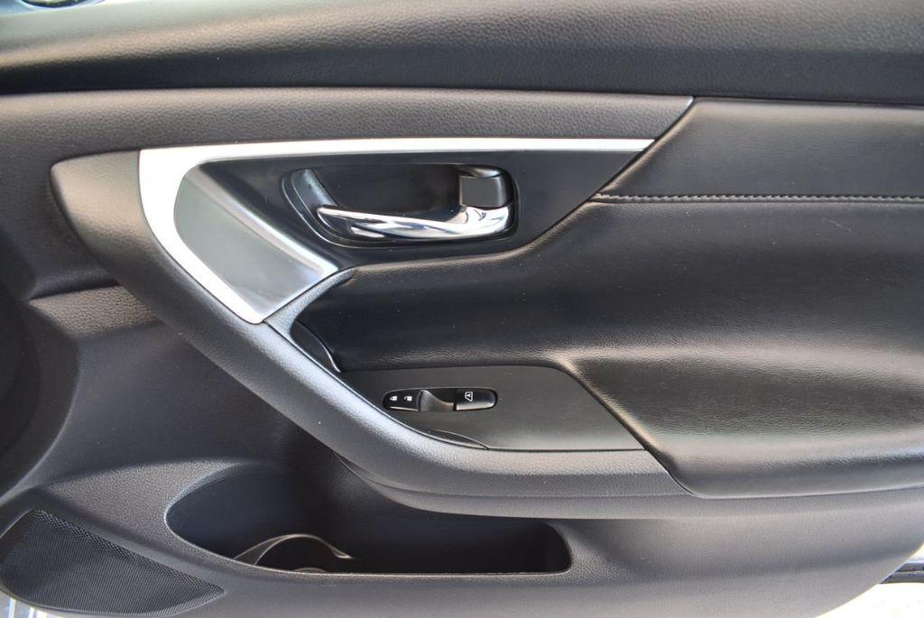 2017 Nissan Altima 2.5 S - 17958516 - 25